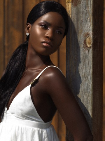Two size 6 models needed for London Shoot